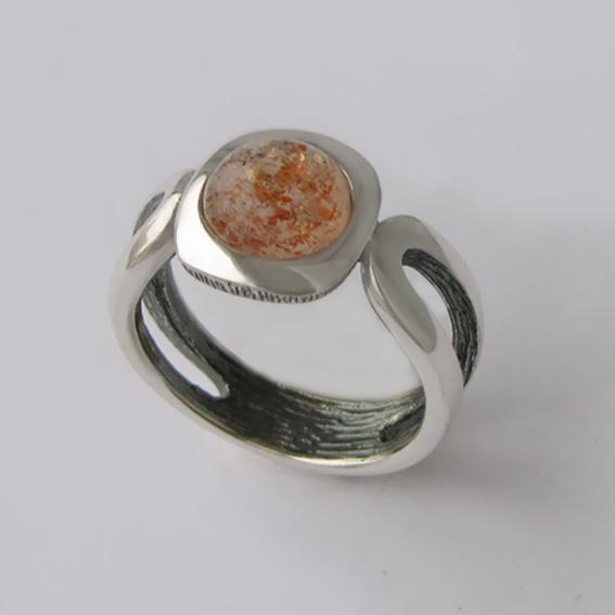 Кольцо с кварцем с включениями гематита, арт.ЛСП3