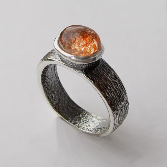 Кольцо с кварцем с включениями гематита, арт. ПФОВ3