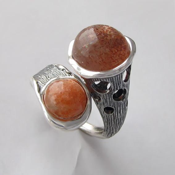 Кольцо с кварцем с включениями гематита, арт. Ш3