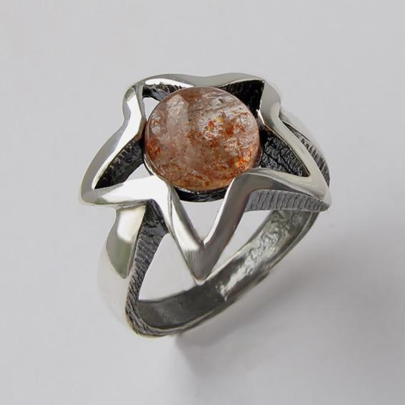 Кольцо с кварцем с включениями гематита ЗВ3