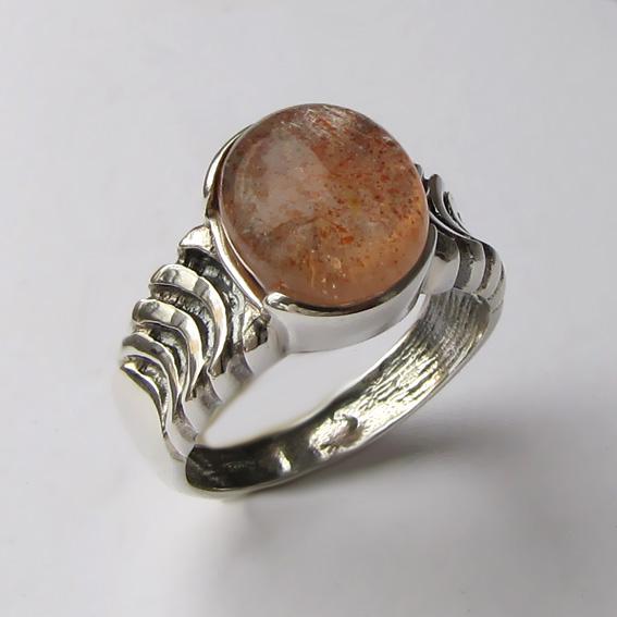 Кольцо с кварцем с включениями гематита ЧЕШ3