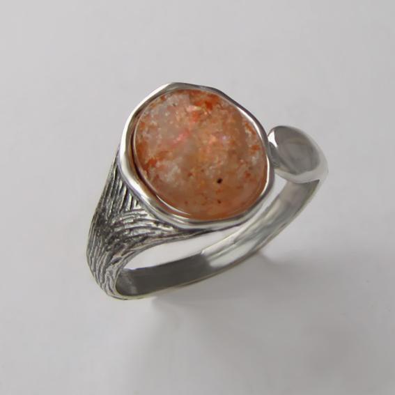 Кольцо с кварцем с включениями гематита ЧОВ3