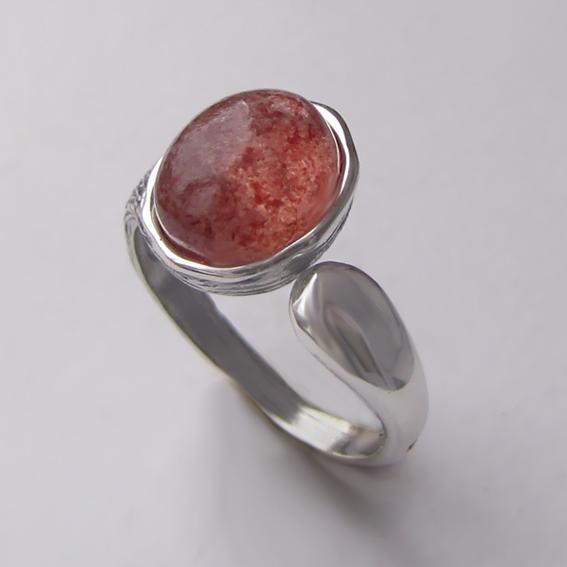 Кольцо с кварцем с включениями гематита ЧОВ3-2