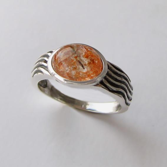 Кольцо с кварцем с включениями гематита, арт. МОР3