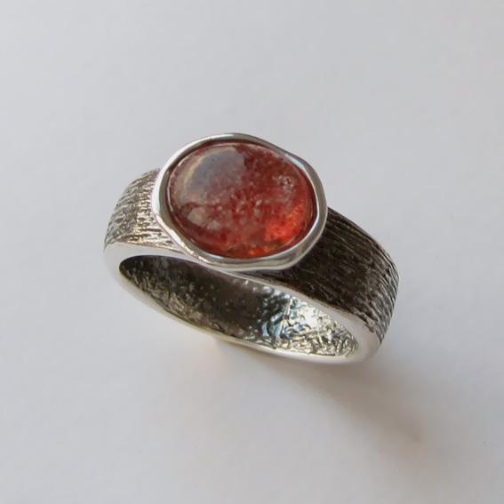 Кольцо с кварцем с включениями гематита, ПФОВ3-2