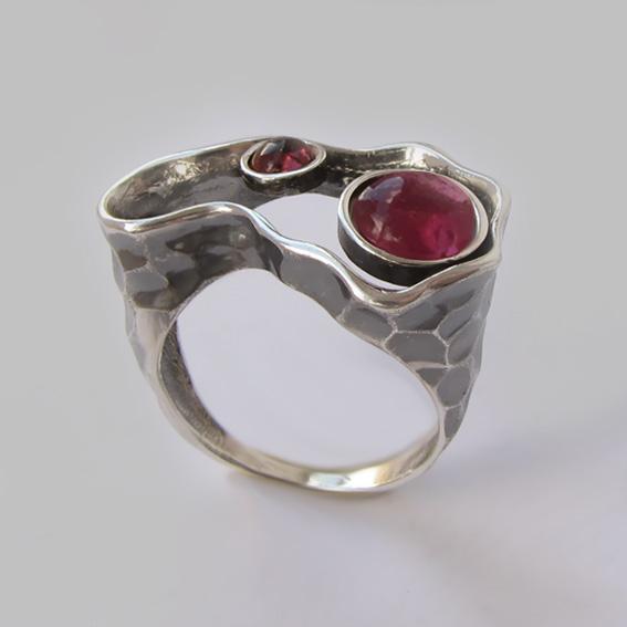 Кольцо с турмалином красным, гранатом, арт. 2СДН3