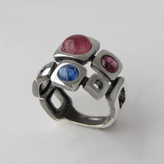 Кольцо с турмалином, кианитом, арт. 8КВ3