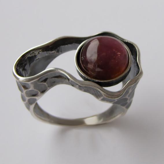 Кольцо с турмалином красным, арт. СДН3