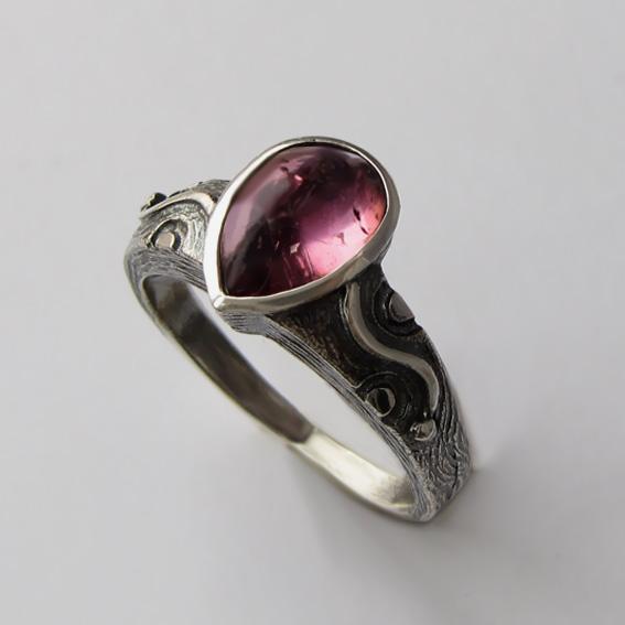 Кольцо с турмалином розовым, арт. СЛЧ37