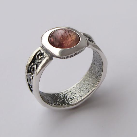 Кольцо с турмалином розовым, арт. ИЕ3
