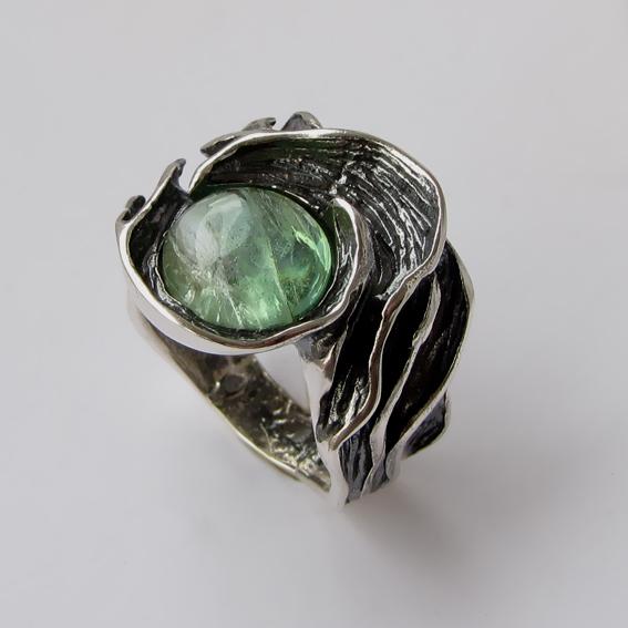 Кольцо с турмалином зеленым, арт. ИЗР3