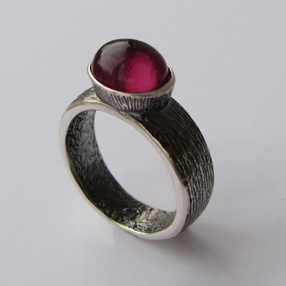 Кольцо с турмалином красным, арт.ПФОВ38