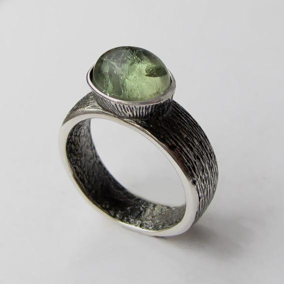 Кольцо с турмалином зеленым, арт.ПФОВ38