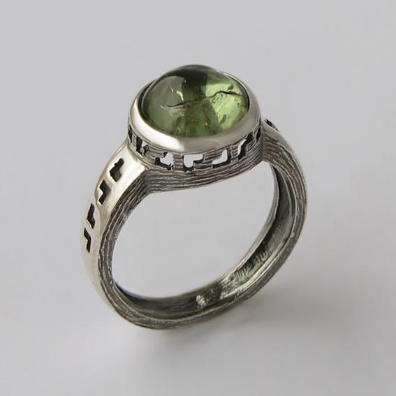 Кольцо с турмалином зеленым, арт. СКИФ3Ч