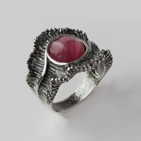 Кольцо с турмалином красным, арт. ВОЛ32