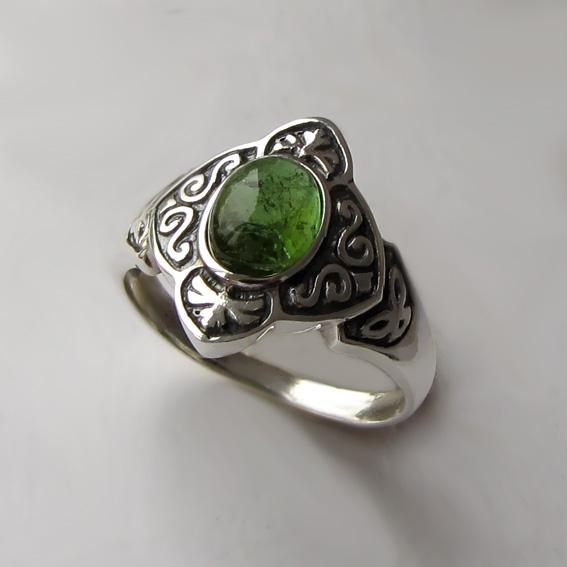 Кольцо с турмалином зеленым, арт. КОК3