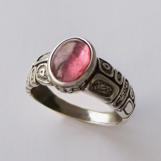 Кольцо с турмалином розовым, арт. ГРИК3Н