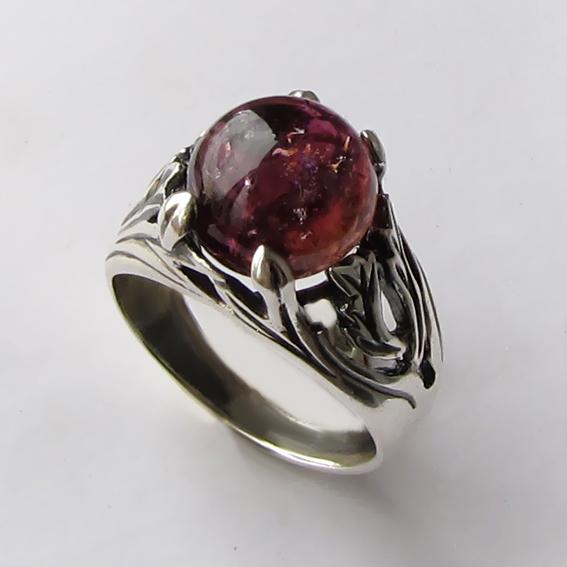 Кольцо с турмалином бордовым ЛИА311