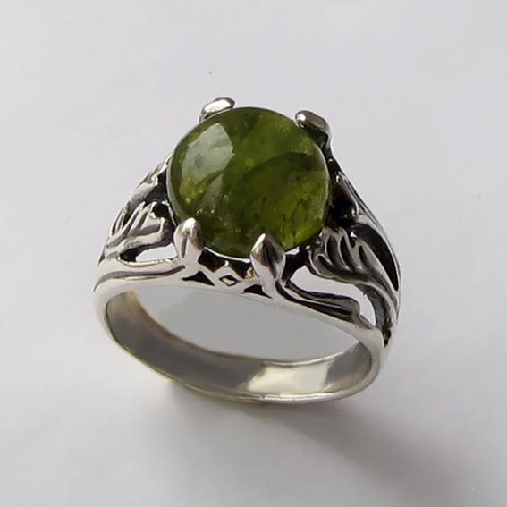 Кольцо с турмалином зеленым ЛИА311
