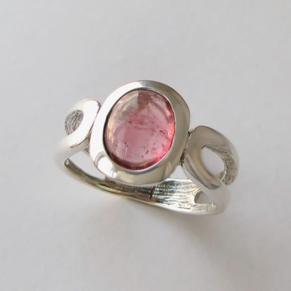 Кольцо с турмалином розовым, арт. ЛСПОВ3