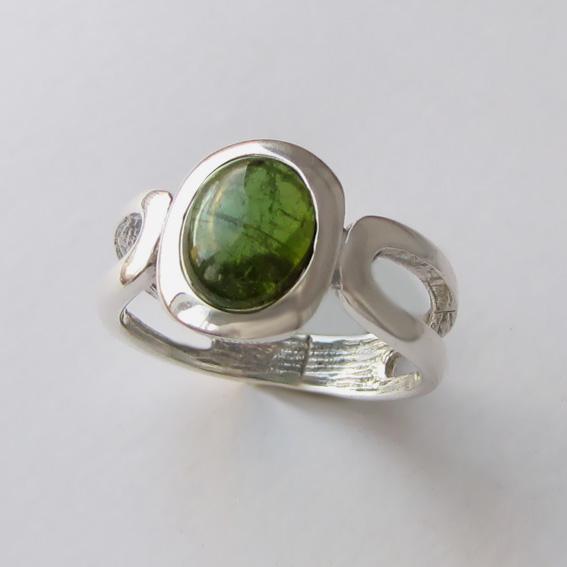 Кольцо с турмалином зеленым, арт. ЛСПОВ3