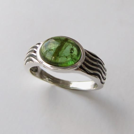 Кольцо с турмалином зеленым, арт. МОР3