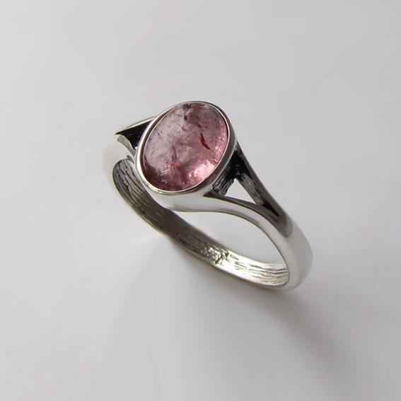 Кольцо с турмалином розовым, арт. ОВМ38