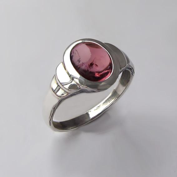 Кольцо с турмалином бордовым, арт.  ОВН37