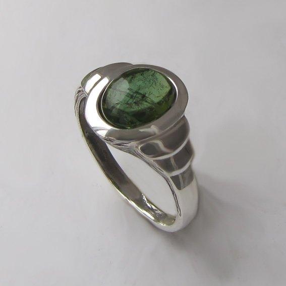 Кольцо с турмалином зеленым, арт.  ОВН37