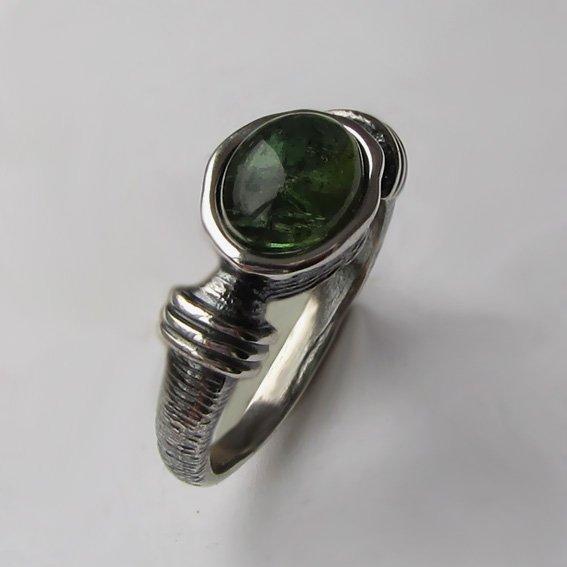 Кольцо с турмалином зеленым, арт. ОВП37