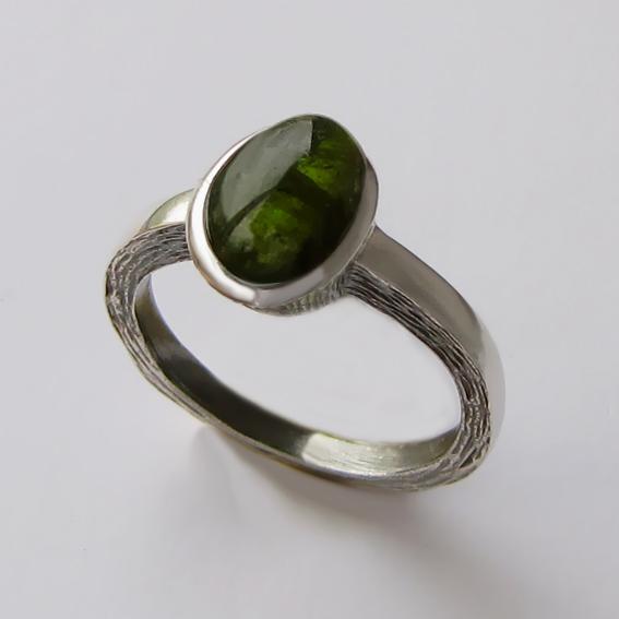 Кольцо с турмалином зеленым, арт. ПФ38Н