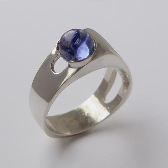 Серебряное кольцо с кианитом, арт.БАК3