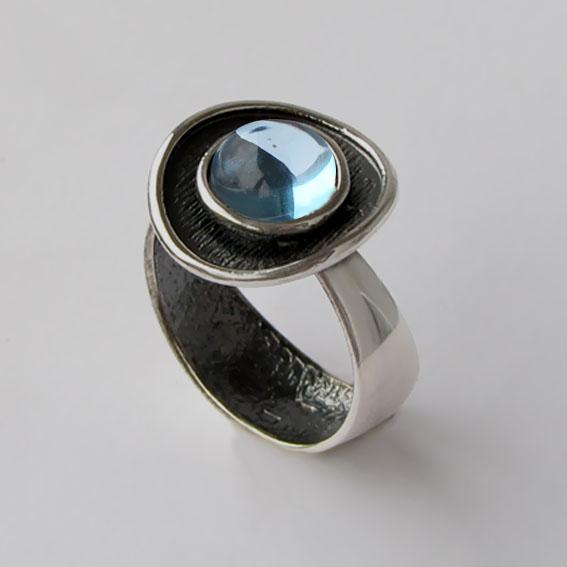 Кольцо с голубым топазом, арт.МСБ3