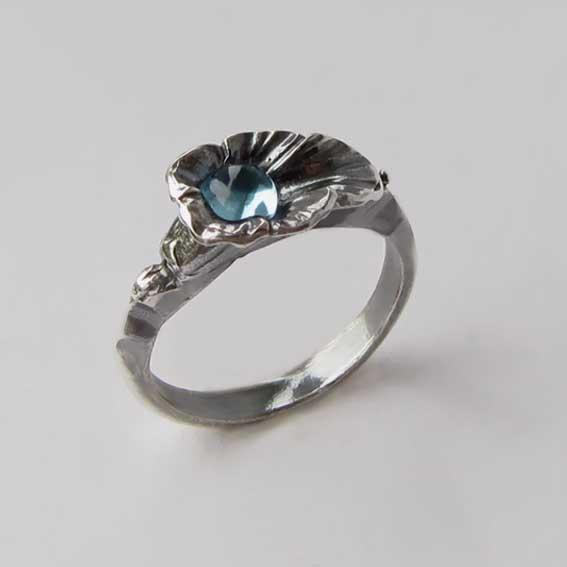 Кольцо с голубым топазом, арт.ЛИС35