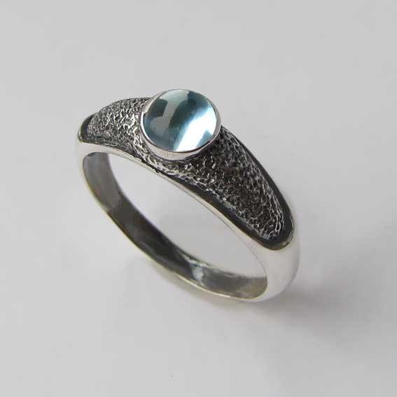 Серебряное кольцо с топазом, арт. ПФ35