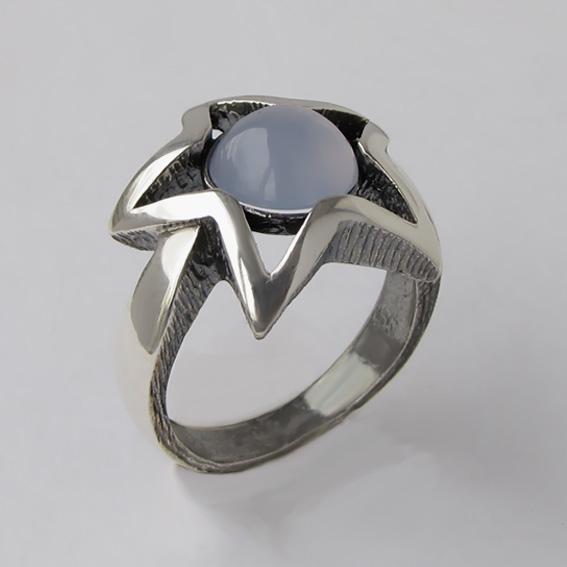 Кольцо с халцедоном, арт. ЗВ3