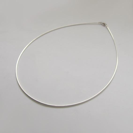 Струна серебряная 45 см., толщина-1.2 мм.