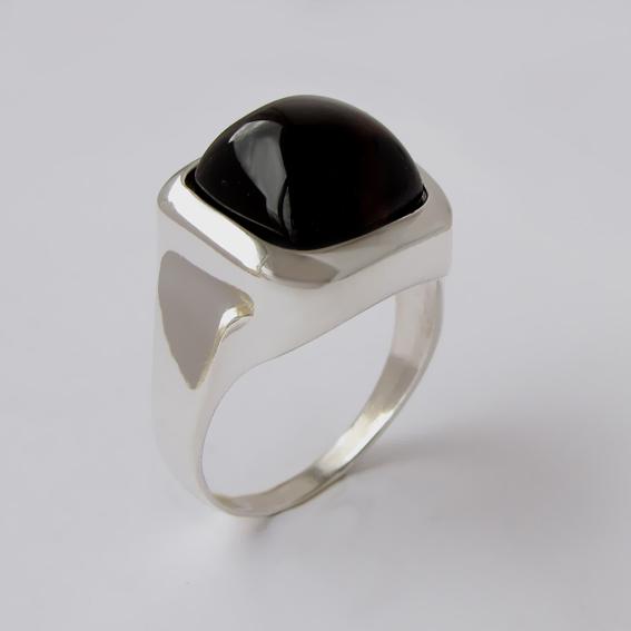 По мноочисленным просьбам наших дорогих покупателей представляем новый раздел сайта - мужские серебряные кольца с