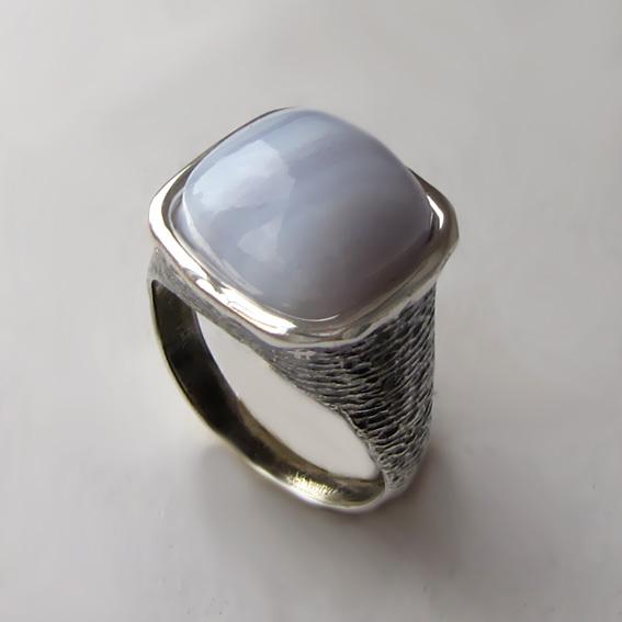 Кольцо с агатом голубым, арт. ПЕКВ3