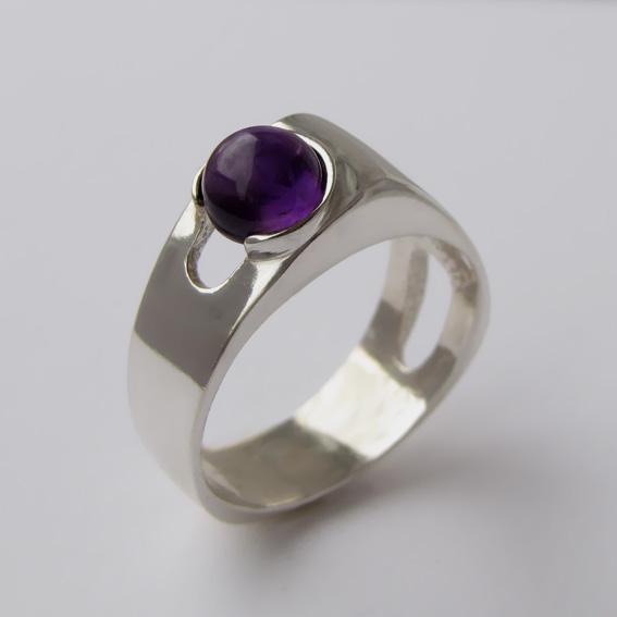 Кольцо серебряное с аметистом, арт.БАК3К
