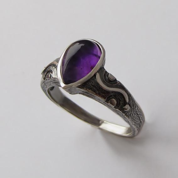 Кольцо с аметистом, арт. СЛЧ37