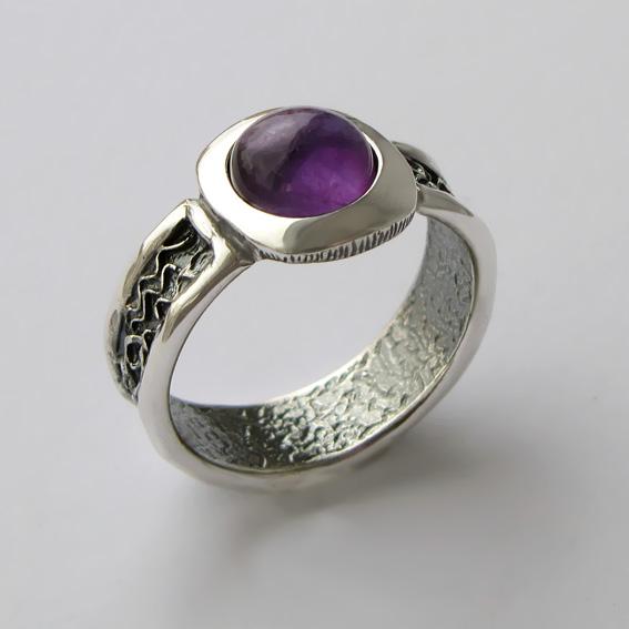 Кольцо из серебра с аметистом, арт.ИЕ3