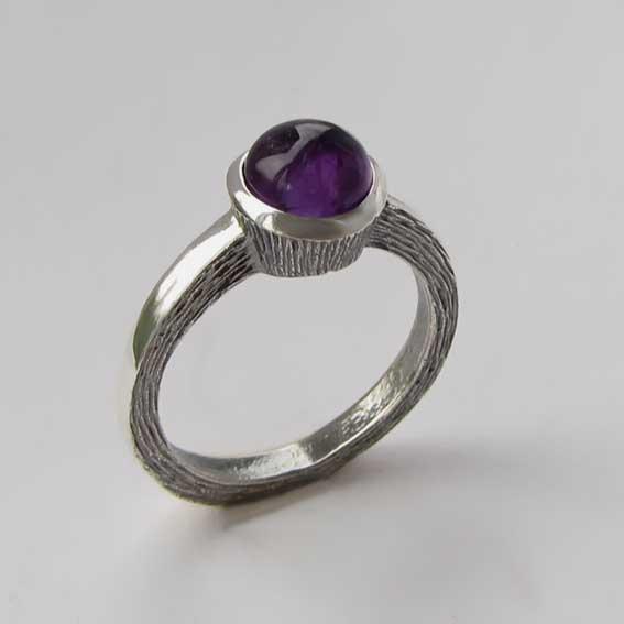 Кольцо из серебра с аметистом, арт.ПФ38