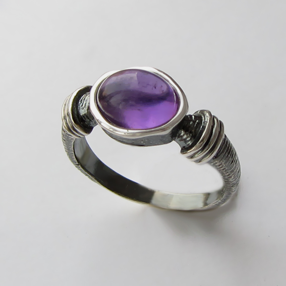 Кольцо с аметистом, арт. ОВП37, серебро 925