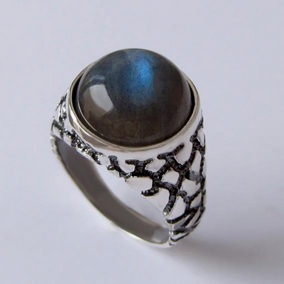 Серебряное кольцо с лабрадором, арт. ЭТБ3