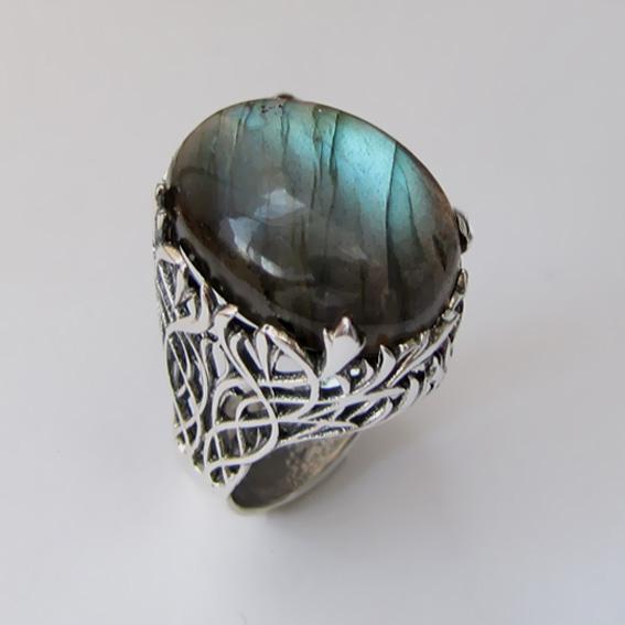 Кольцо серебряное с лабрадором, арт. ЛИ315