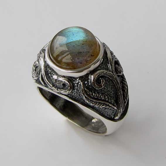 Серебряное кольцо с лабрадором, арт. ШАХ3М