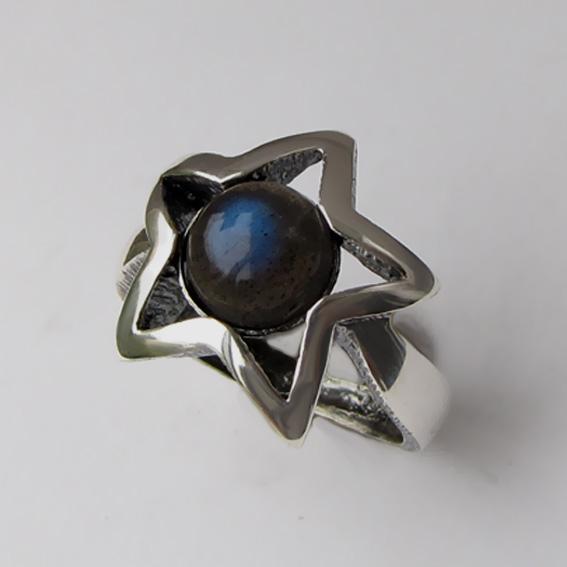 Кольцо серебряное с лабрадором, арт. ЗВ3