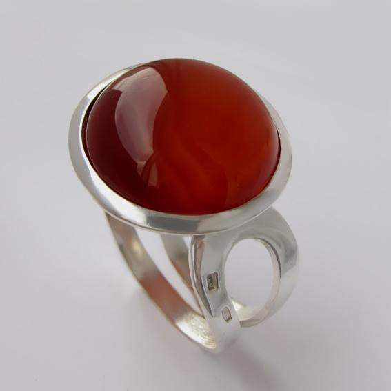 Кольцо серебряное с сердоликом, арт.БАН3