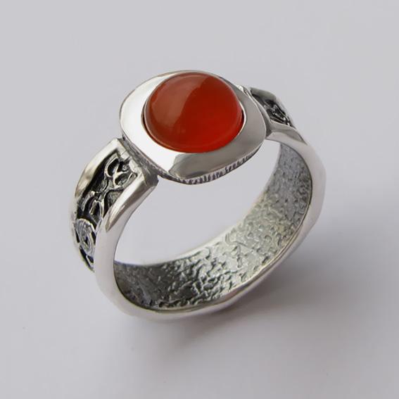Серебряное кольцо с сердоликом, арт.ИЕ3